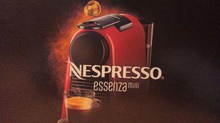Cafetera Essenza Mini Nespresso Delongi