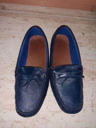 zapatos nauticos azules para traje