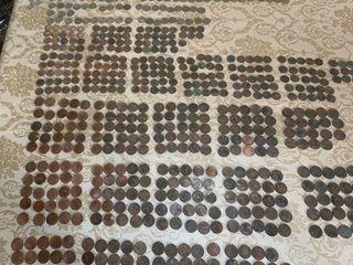 Lote monedas antiguas encontradas viejo caserio