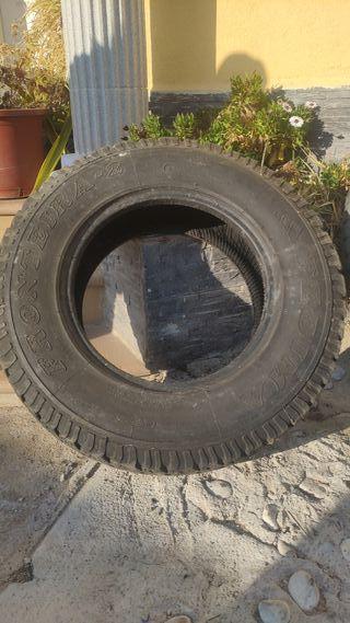 Neumático 4x4 todoterreno