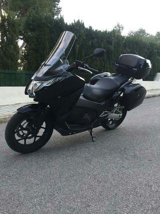Vendo moto HONDA INTEGRA 750