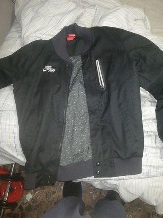 chaqueta Nike nueva