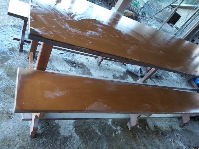 Mesa de madera larga