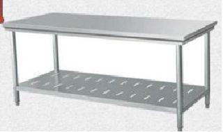Mesa de trabajo o cocina de acero inoxidable