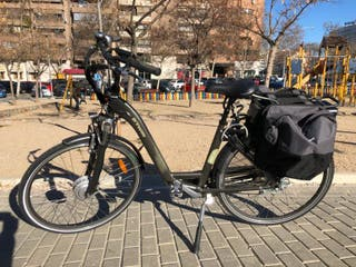 bicicleta eléctrica casi nueva (80km) en Madrid