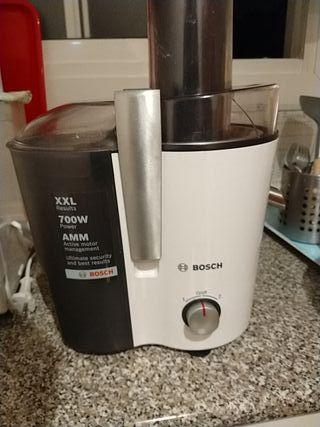 licuadora Bosch XXL de 700 watios