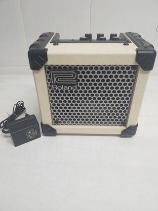 Roland Micro Cube + Adaptador 9 v. Ampli guitarra