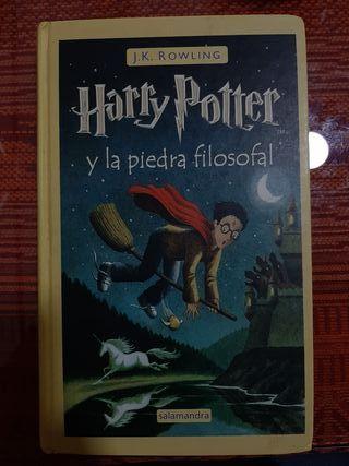 Harry Potter y la piedra filosofal. (1° libro)
