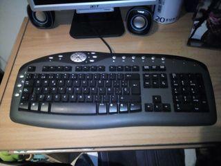 teclado seminuevo