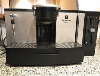 Cafetera Nespresso Pro ES100 + Cajetín monedas