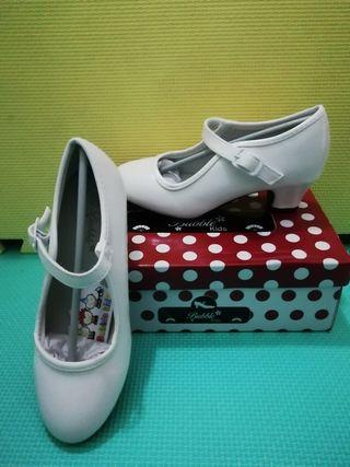 Zapatos de flamenca nuevos
