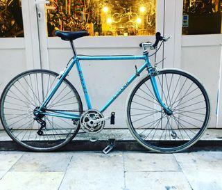 Bicicleta carretera ELVISH T 52