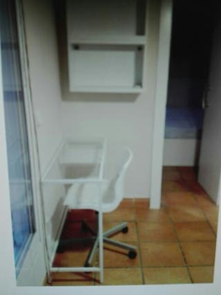 Mesa para ordenador portátil VITSJO de IKEA