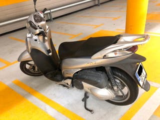 Scoopy SH300i ABS