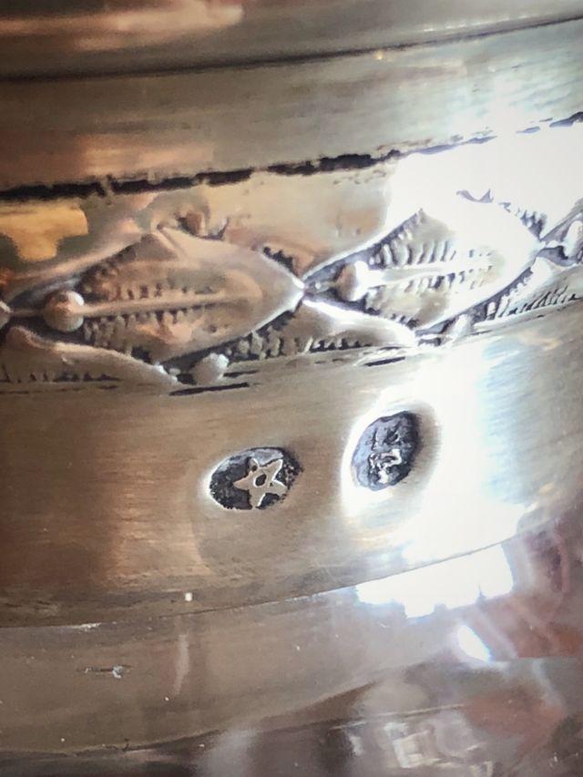 Botella de cristal tallado y plata mueble bar