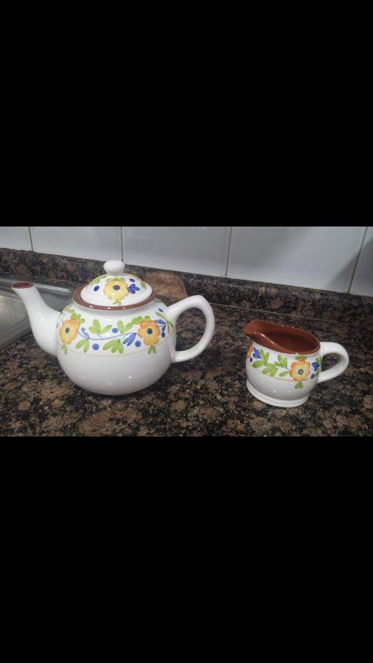 Cafetera Y Jarra Sin Extrenar