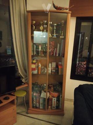Conjunto de muebles de salón.