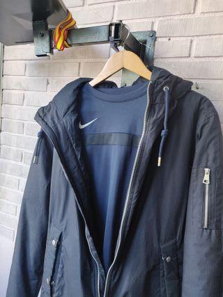 conjunto chaqueta deportiva y camiseta nike