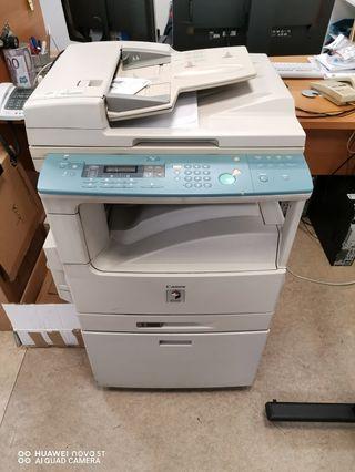 Fotocopiadora con con escaner Canon