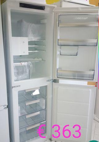 AEG Frogorifico congelador integrado