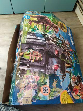 Campamento base de Playmobil con T Rex