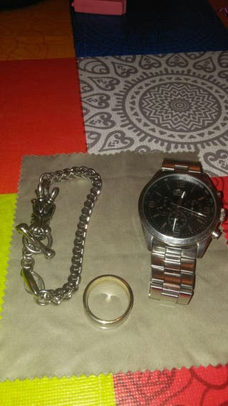 reloj pulsera y anillo