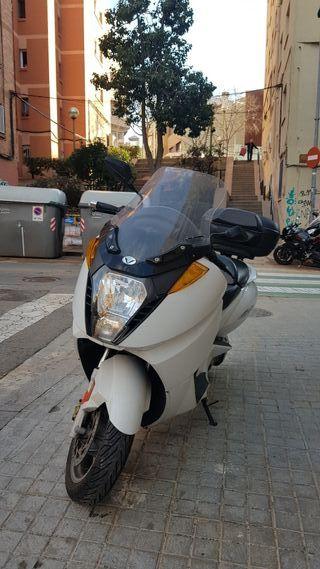 Vectrix VX1 (moto eléctrica 125cc equivalente)