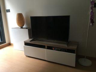 Mueble de televisión y estanterías IKEA