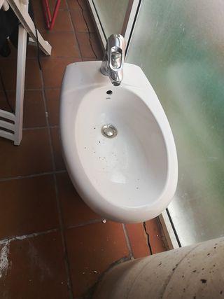 se vende lavabo y Bidé