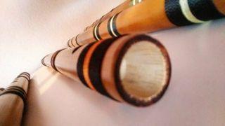 Flautas artesanales de bambú.