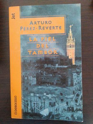 """Arturo Pérez-Reverte- """"La piel del tambor"""""""