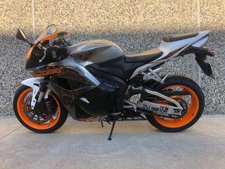 Honda CBR 600R 2011