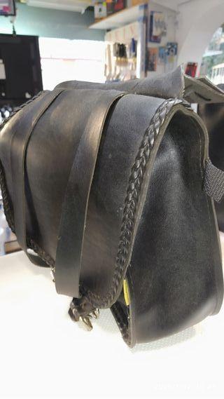 mochila moto de piel