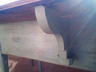 Taula rústica # Mesa de madera antigua