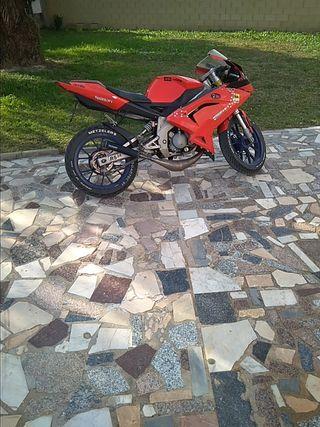 Aprilia RS 49cc SE CAMBIA O SE VENDE