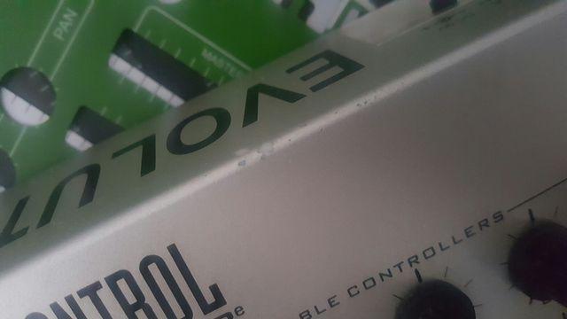 Evolution UC 33 CONTROLADOR MIDI