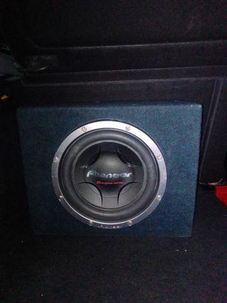 Subwoofer 1200w más amplificador soundstream 1200w