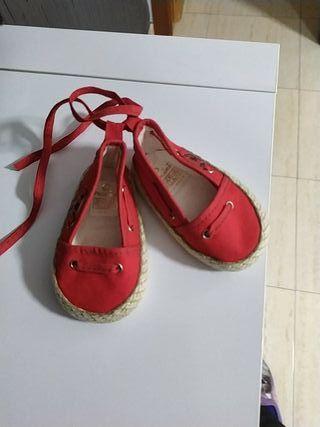 zapatillas rojas bebe