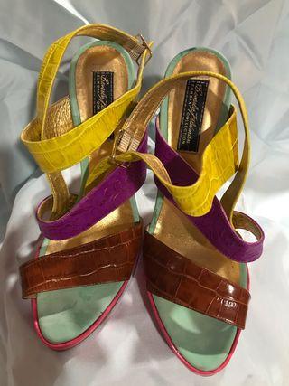 Sandalia de tacón de colección