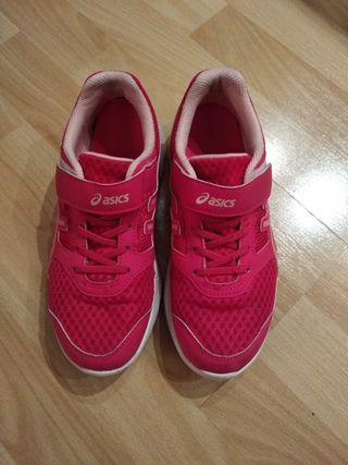 Zapatillas Asics número 35