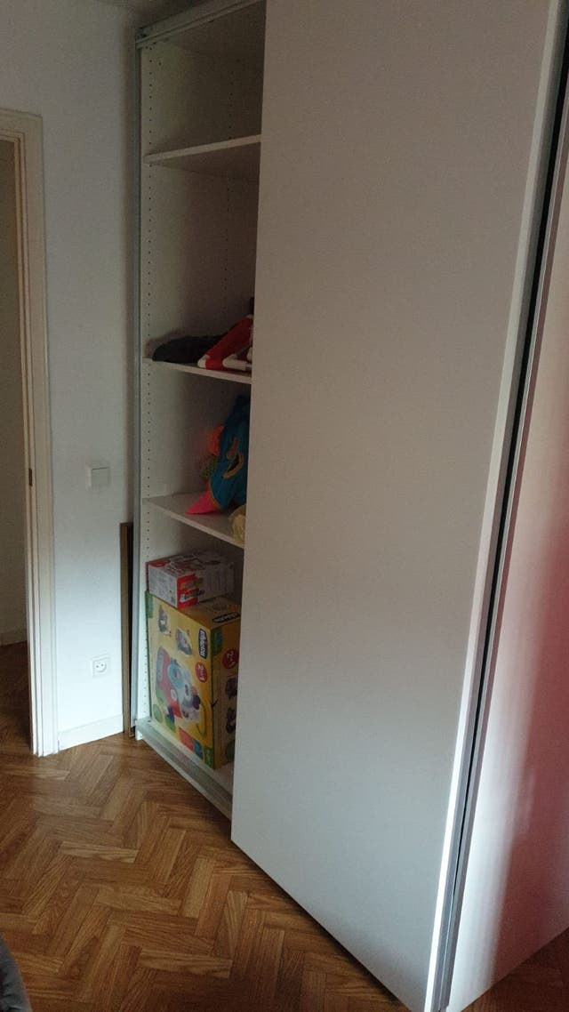 Precioso armario en blanco