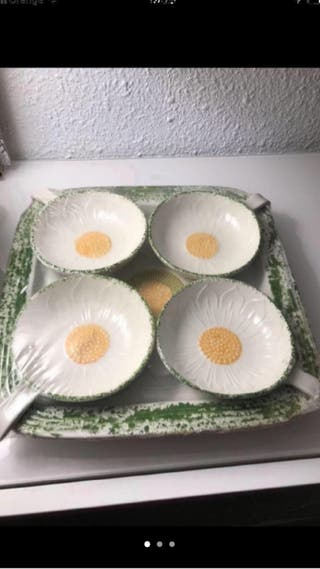 Bandeja porcelana cuadrada+4 cazuelitas
