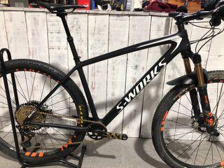 Mountain bike carbono
