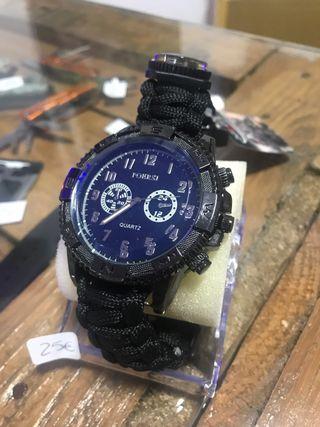Reloj supervivencia negro