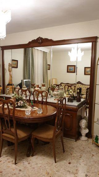 Aparador de Espejo+ Vitrina + mesa con 6 sillas