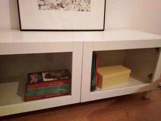 mueble tv ikea blanco mate.con puertas cristal