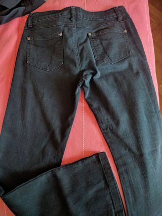 Pantalón vaquero largo