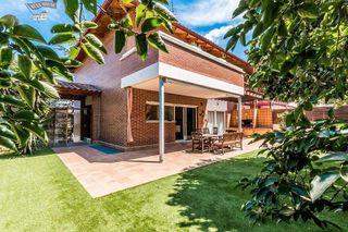 Casa en venta en Terra Nostra en Montcada i Reixac