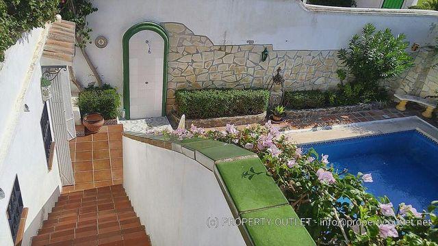 Casa adosada en alquiler en El Morche en Torrox (El Peñoncillo, Málaga)