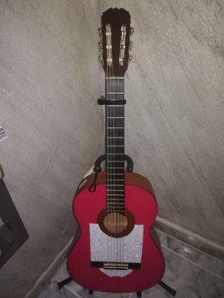 Guitarra Flamenca con sound port.